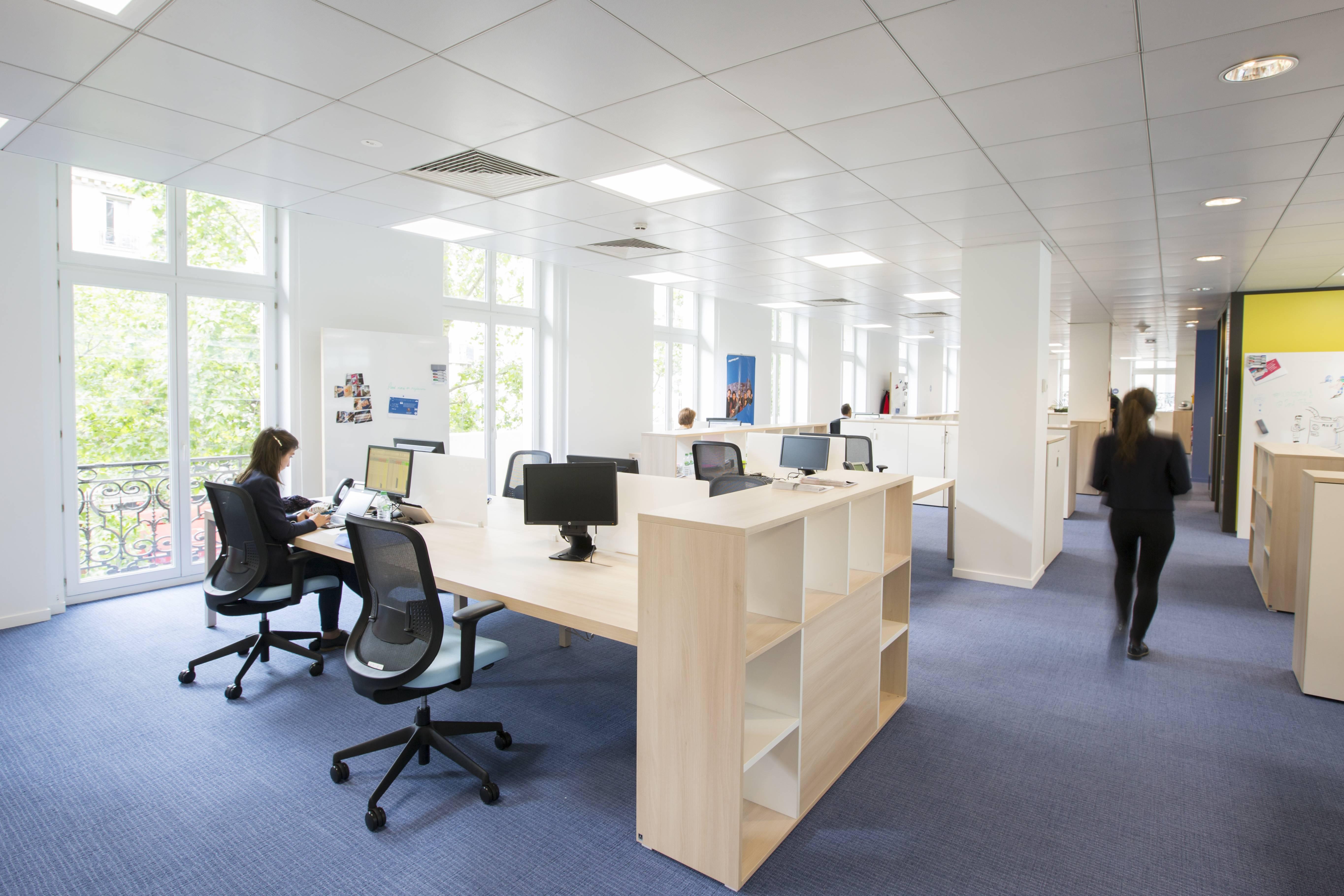 Chez combarel immobilier etape de nouveaux bureaux