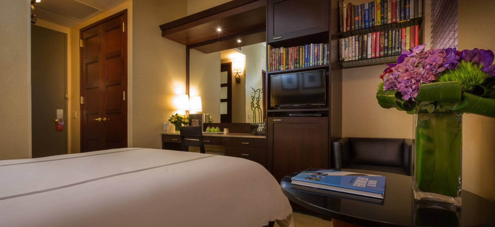 library-hotel