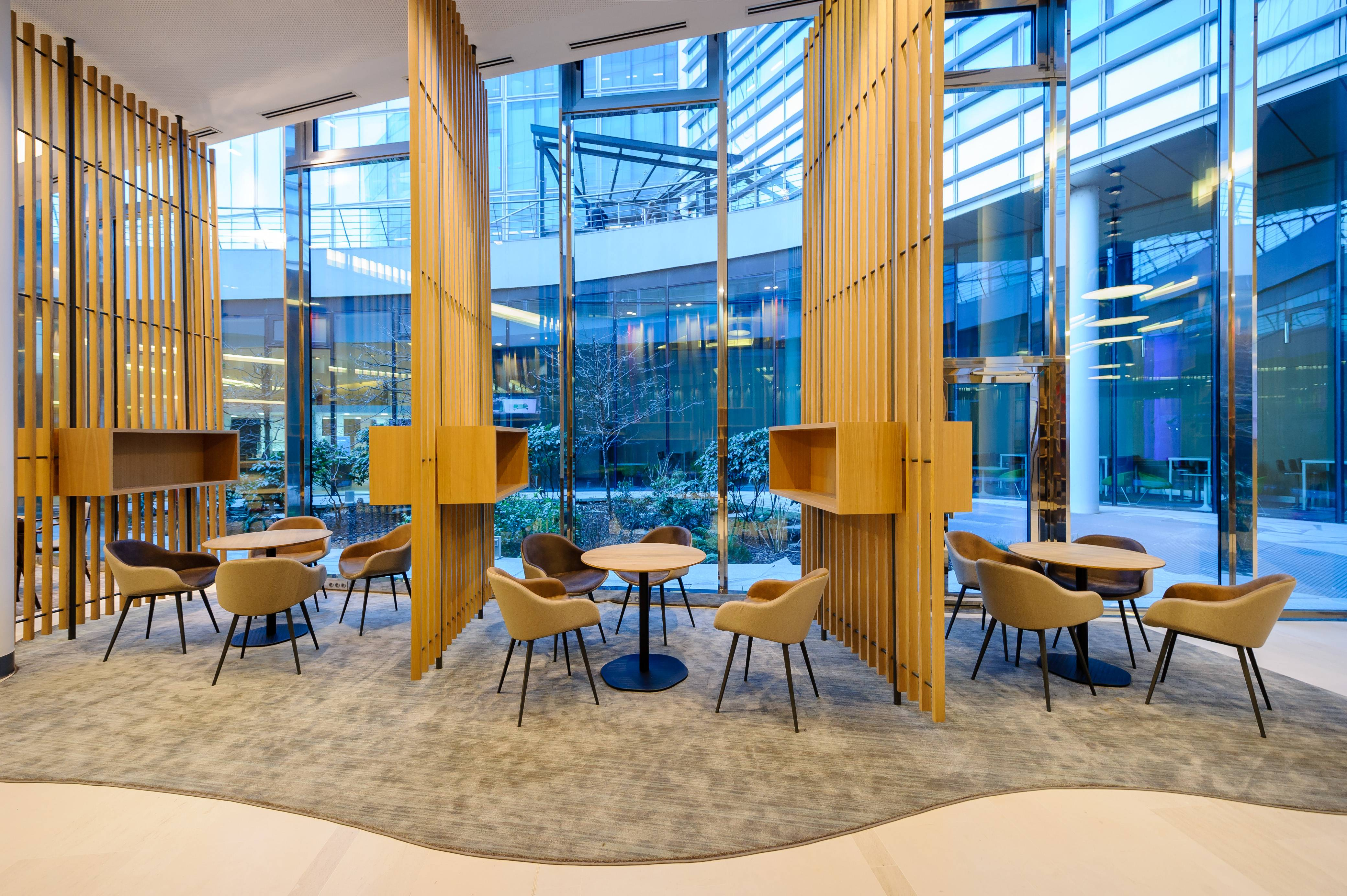 Espaces de travail innovants bienvenue dans l 39 re du for Espace de travail collaboratif