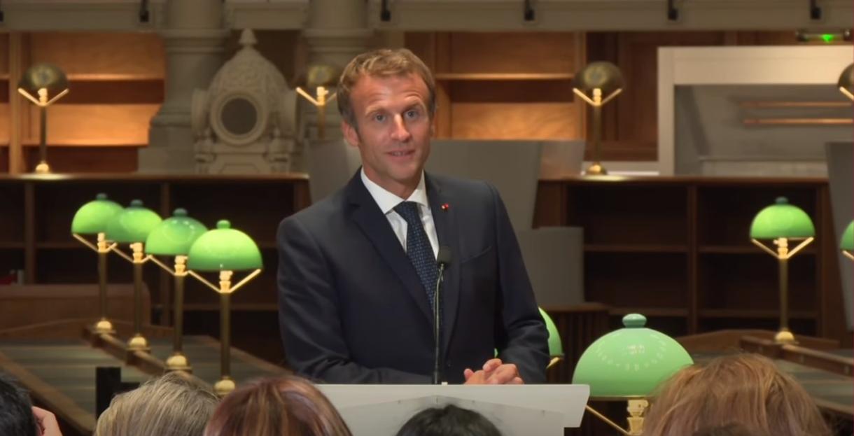 Emmanuel Macron visite le site Richelieu de la Bibliothèque nationale de France