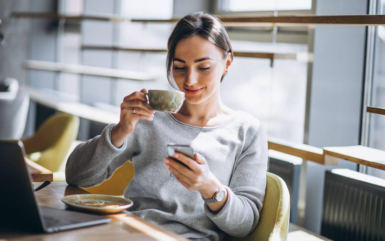 ordinateur-café-digital-workplace