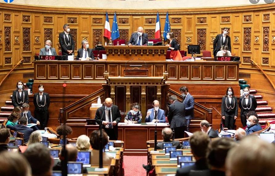 Accès aux archives : le Sénat adopte à son tour un article controversé