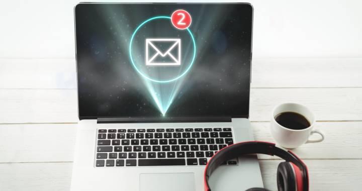 mail-laptop
