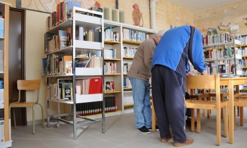 accessibilite-bibliotheque-public-empeche-prison