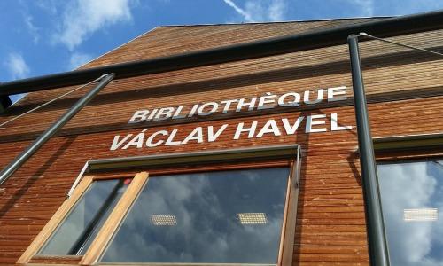 covid-19-bibliotheque-paris-vaclav-havel