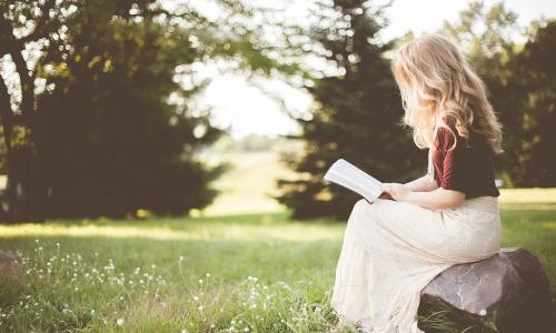 82% des 18-35 ans préfèrent le livre papier au numérique