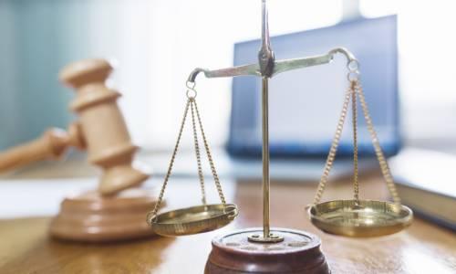 justice-droit-ordinateur