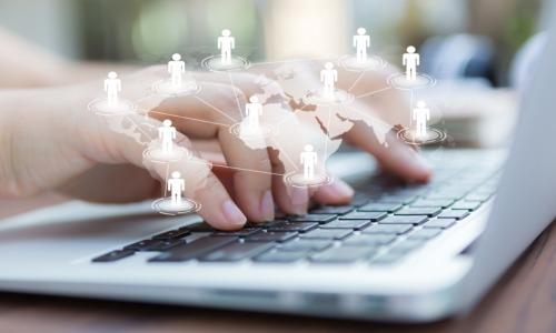 ordinateur-digital-numerique-travail-collaboratif
