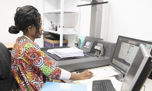 ordinateur-business-travail-numerisation-dematerialisation