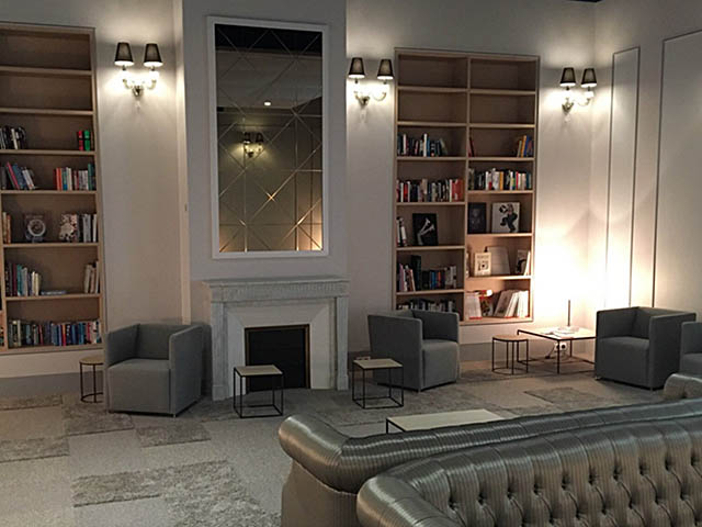 l 39 a roport de roissy charles de gaulle ouvre sa biblioth que archimag. Black Bedroom Furniture Sets. Home Design Ideas